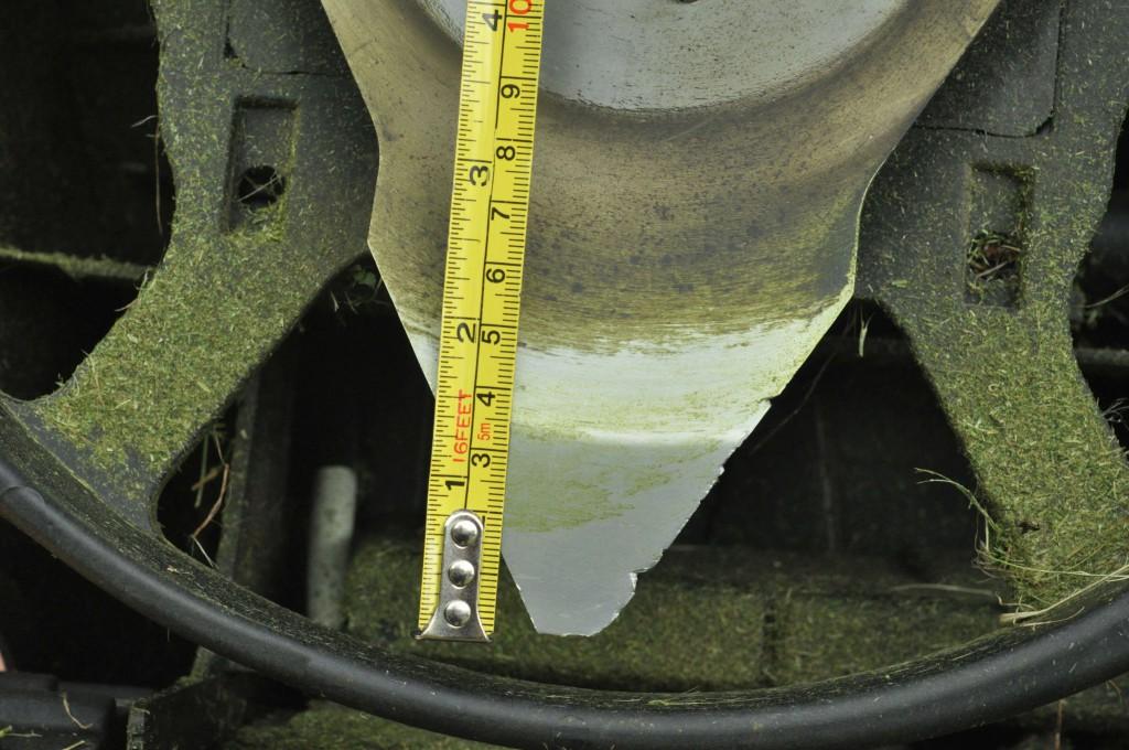 Фото 3.1.2 Ширина полосы резания Robomow RC306