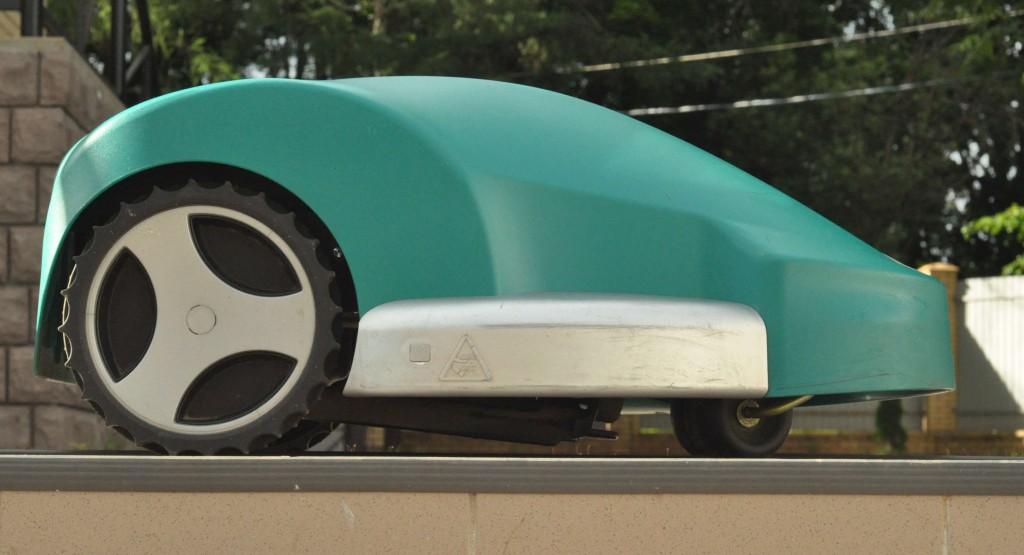 Фото 3.3.2 Вид сбоку Bosch indego