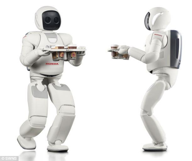 Руки этого сравнительно невысокого робота (рост его составляет всего 130 см) настолько аккуратные, что он может управляться с бумажным стаканчиком, не сминая его.