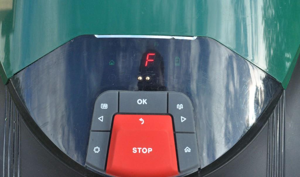 фото 3.1.4. Меню экрана RC 306 простое и понятное, клавиши управления настройками крупные и надежно защищены от влаги