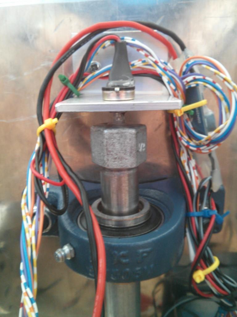 Закрепление потенциометра для рулевого механизма