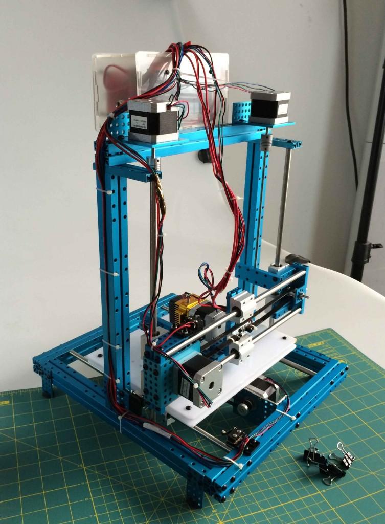 XY-плоттер наконец-то эволюционировал до полноценного 3D-принтера.
