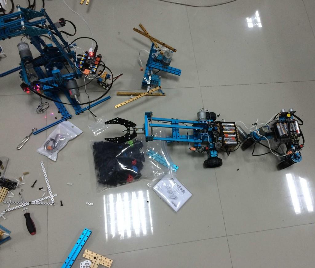 Еще одно размышление на тему колесного робота с захватом.