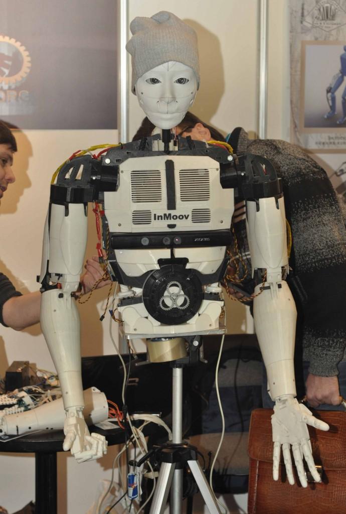 У французской команды INMOOVE появилось российское подразделение, которое теперь и представляет робота на выставках.