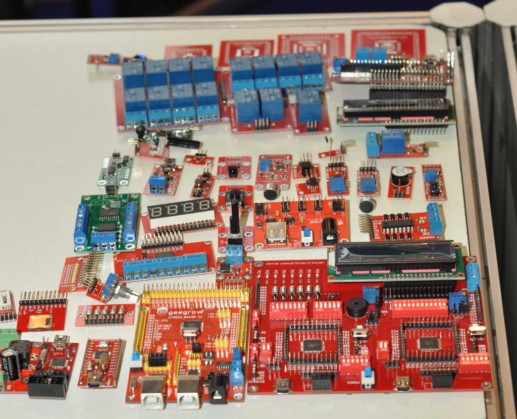 Здесь же еще один новичок российского рынка - компания GEEGROW, занимающаяся производством весьма качественной, но доступной электроники.