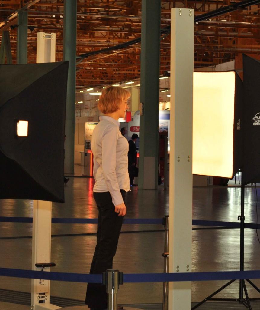 Популярность набирает не только 3Д-печать, но и 3Д-сканирование. Вот можно было в течение 1 минуты сделать свою трехмерную фотографию.